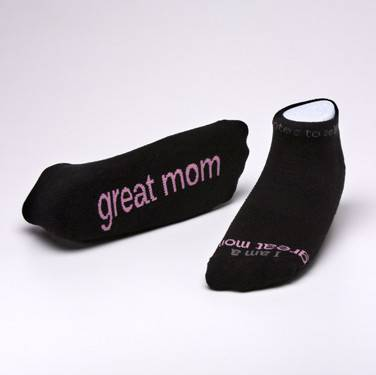 %27I am a great mom%27™ Black low-cut with Soft Pink Words cmas15n, message socks, inspirational socks, i am a great mom, black socks, gift, any occasion gift, clothes,  c0w93bc