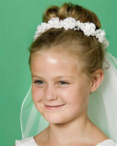 First Communion Floral Wreath Veil first communion, first communion veil, white veil, headband veil, eucharist veil, holy communion veil, wreath veil