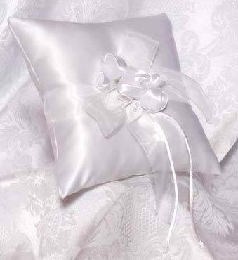 Amour White Ring Pillow