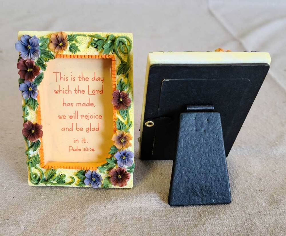 Floral Scripture Frame | CATHOLIC CLOSEOUT