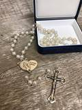 """In Loving Memory"" Memorial Pearl Rosary ?Handmade in Italy; Centerpiece opens like a locket to hold a special photo of a loved one. Gift Boxed."