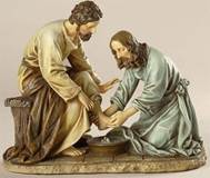 Jesus Washing Feet Statue