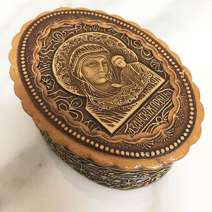 Madonna and Child Wood Carved Box