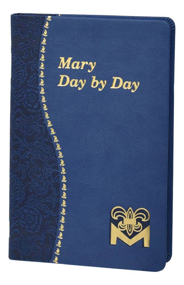 Mary Day by Day Large Type Edition