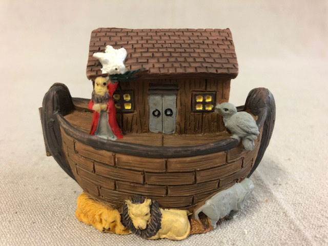 Noah's Ark Hinged Box | CATHOLIC CLOSEOUT