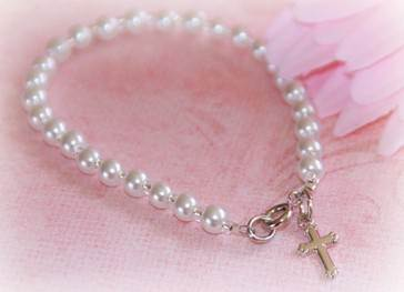 Pearl Bracelet With Cross