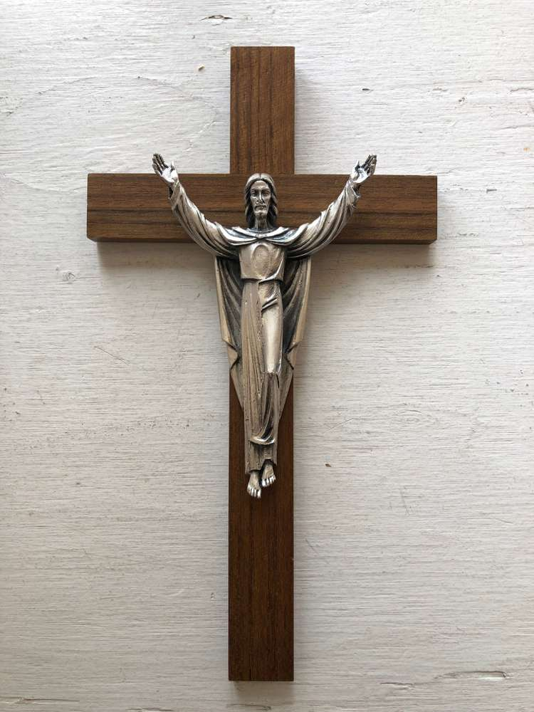 "Risen Christ On 10"" Walnut Cross"