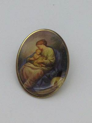 Seated Madonna & Child Lapel Pin/25 pkg