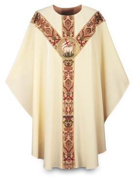 3168 Beige Gothic Chasuble in Dupion Fabric with Lamb Emblem