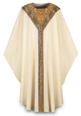 3219 Gothic Chasuble in Beige Brugia Fabric